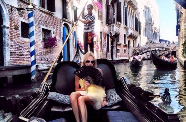 Venice Gondola Nel-Olivia Waga