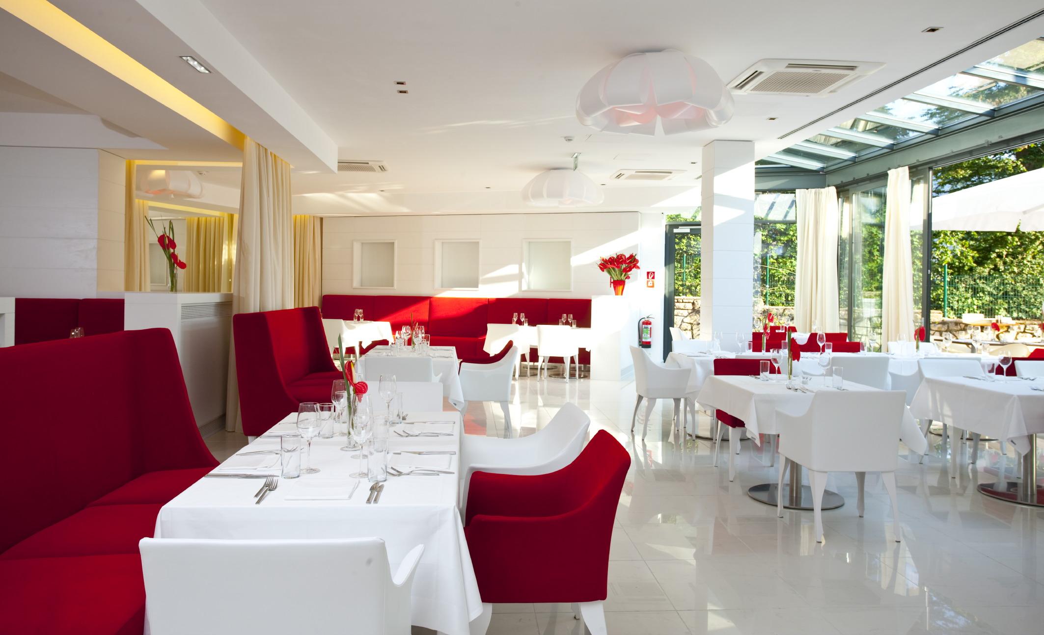 26-lakes-restaurant