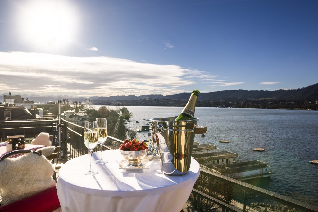 VIN-EN-VOGUE: WINE TASTING AT EDEN AU LAC SKYBAR IN ZURICH