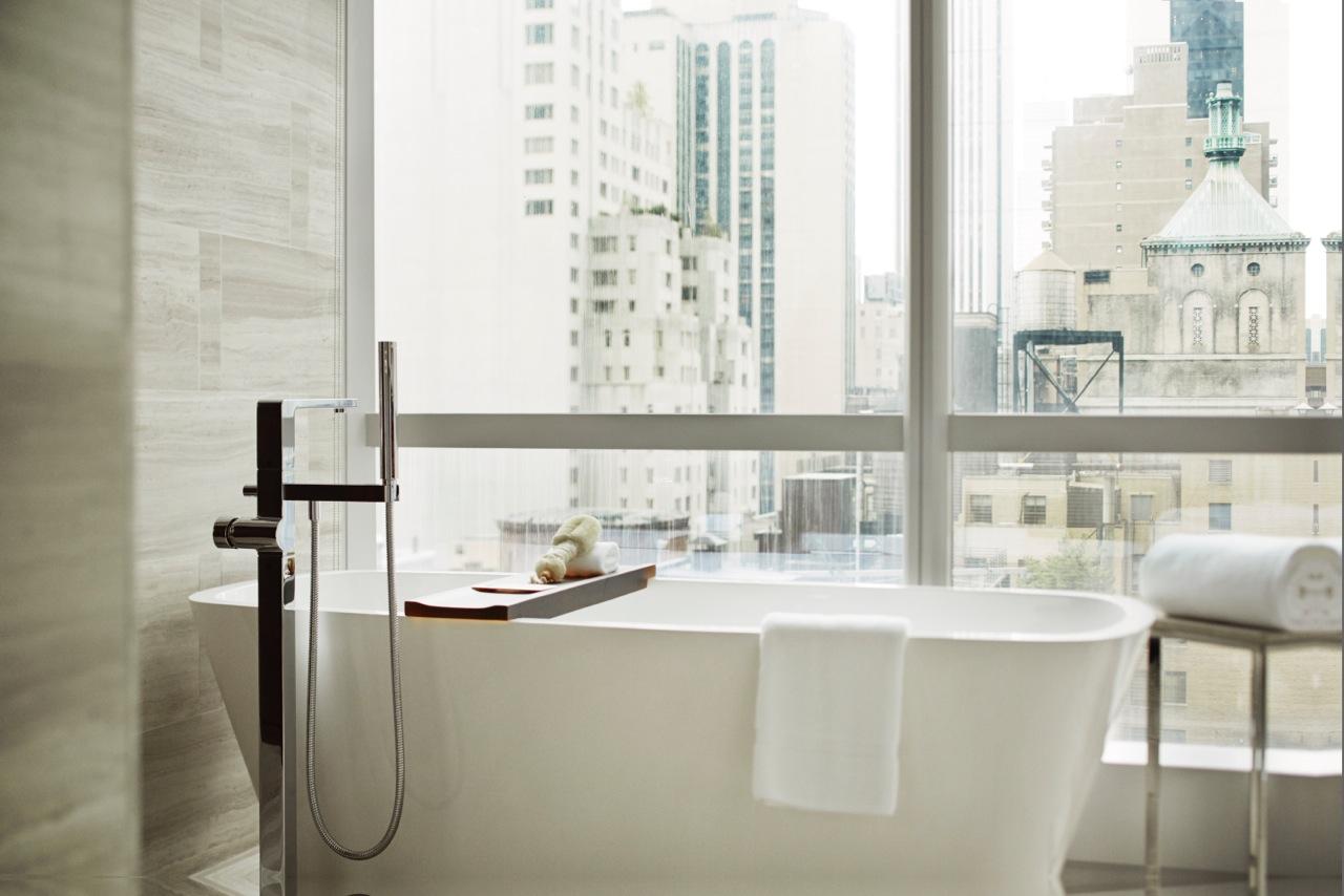 NYCPH_P116 Bathtub