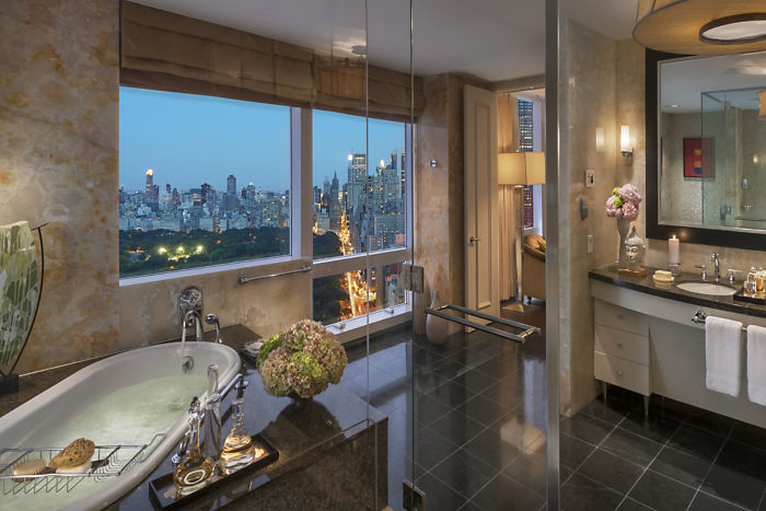 new-york-13-suite-presidential-bathroom-03