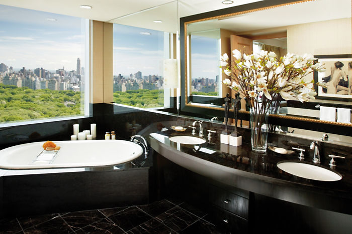 new-york-suite-room-oriental-suite-bathroom