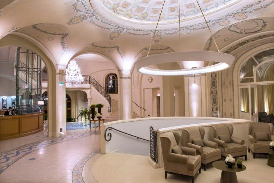 Lobby Hotel Royal Evian Resort
