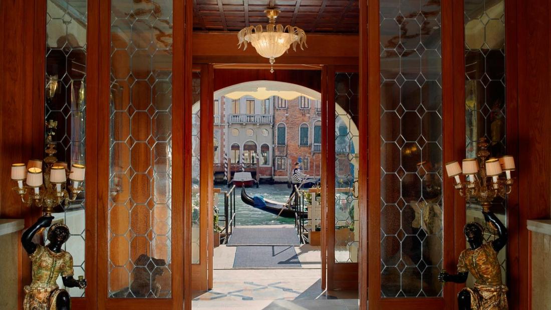 grand_canal_entrance_lobby
