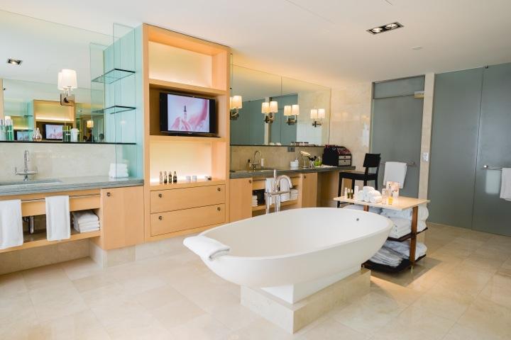 Bathroom Presidential Suite Park Hyatt Zurich_LA MER