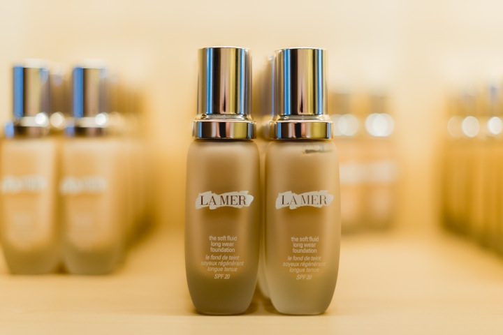 LA MER Skin Color Foundation