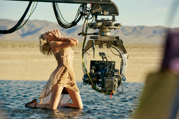 Dior J'adore Charlize Theron_behindthescenes