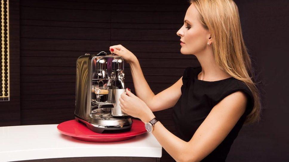MONDAY rituals: soy cappuccino in the making ♥️ ... testing my new @nespresso creatista • ad | #nespressocreatista #baristalimitededition #mondays #coffeetime |  @ellinanderegg