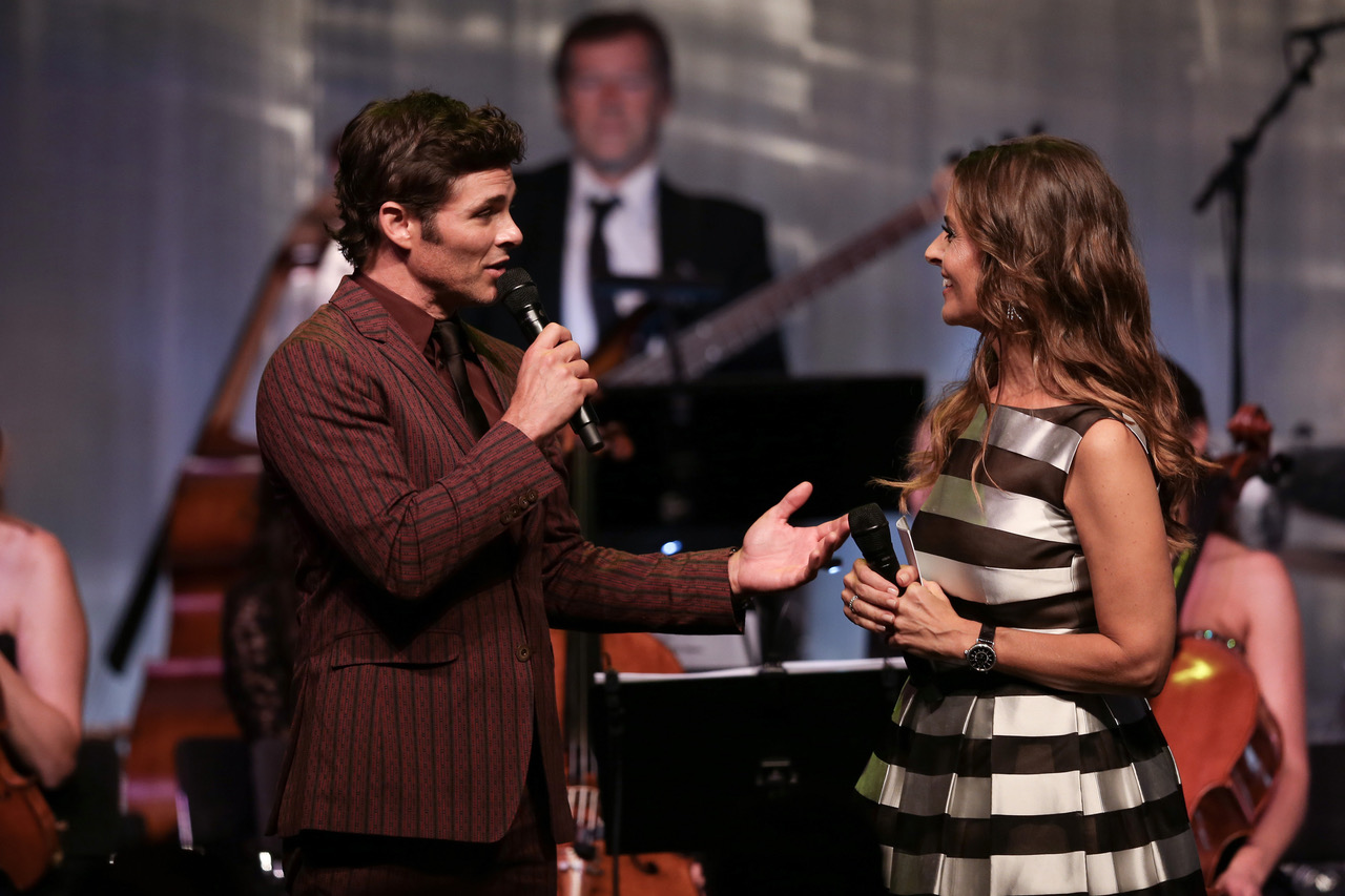 ZURICH, SWITZERLAND - SEPTEMBER 30: James Marsden speaks with host Sandra Studer on stage at the IWC 'For the Love of Cinema' Gala Dinner at AURA Zurich on 30 September, 2017 in Zurich, Switzerland. During the event, actor James Marsden presented the third 'Filmmaker Award', a sponsorship worth CHF 100,000. The award was set up by the Association for the Promotion of Film in Switzerland ('Verein zur Filmförderung in der Schweiz').  (Photo by Remy Steiner/Getty Images for IWC)